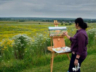 A plein aire artist in nature